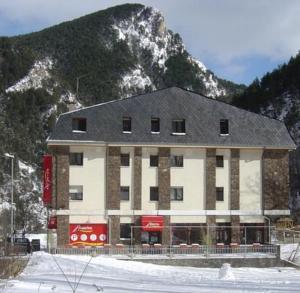 Hotel Palarine, Erts